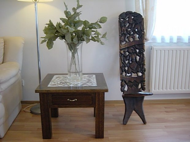 Glass top table finished-02.jpg