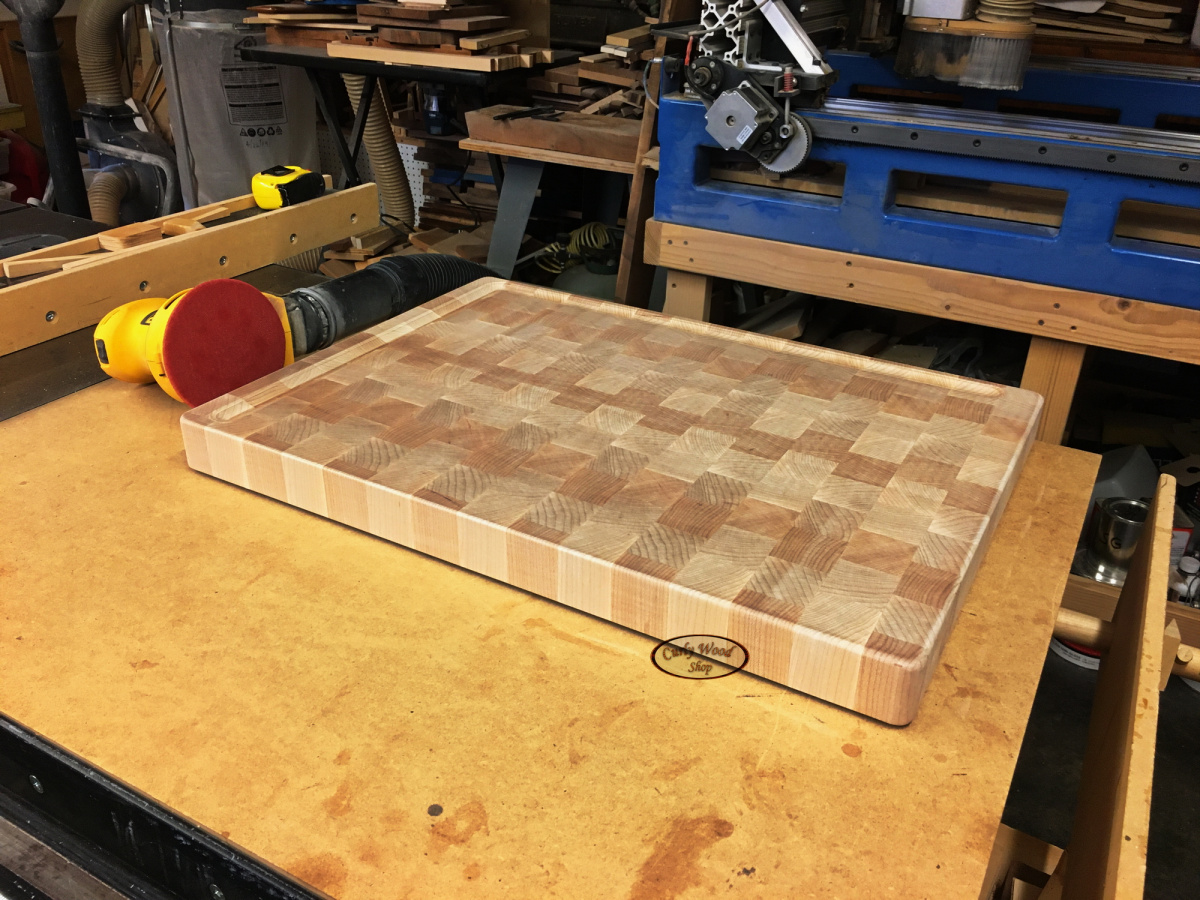 Large Maple cutting board-021-sanded-400-ready-engraving.jpg
