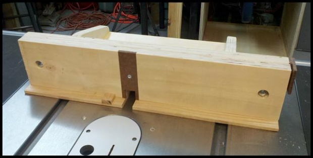 how to make a box joint jig for router table