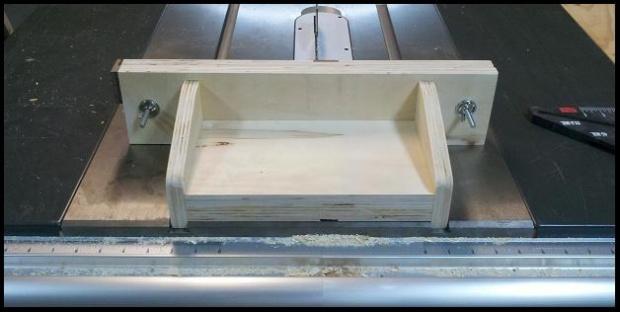 Box joint jig-2012-02-26_21-49-57_339.jpg