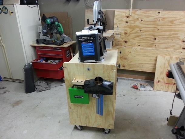 rigid flip top tool stand 1