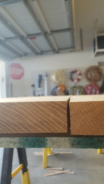 Gaps on table top / timing of poly finish-20160924_104159.jpg
