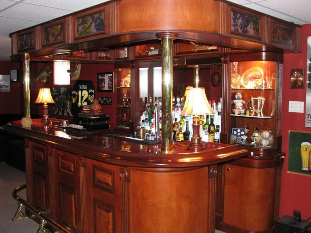 http://www.woodworkingtalk.com/attachments/f13/3549d1211407727-home-bar-bar-lamps-.jpg