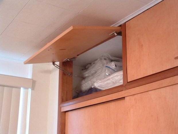 Doors for over closet - opening slightly out of square-closet-lid.jpg