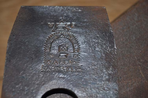 Looking to identify an old wood plane-dads-old-plane-005_small.jpg