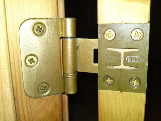 "anyone here understand ""demountable hinges"" ?-dsc00351.jpg"