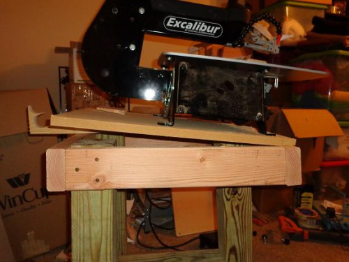 Custom scroll saw stand anti vibration to me the plans seem pretty weak for mounting the saw to the baselegs of the table you got all these thick strong parts put together and only use 2 keyboard keysfo Images