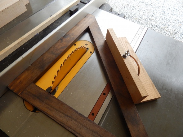 1 way to make compound miter joints for picture frame-dscn0424.jpg