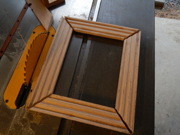 1 way to make compound miter joints for picture frame-dscn0433.jpg