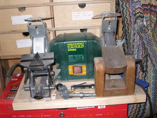 bench grinder sharpening jig