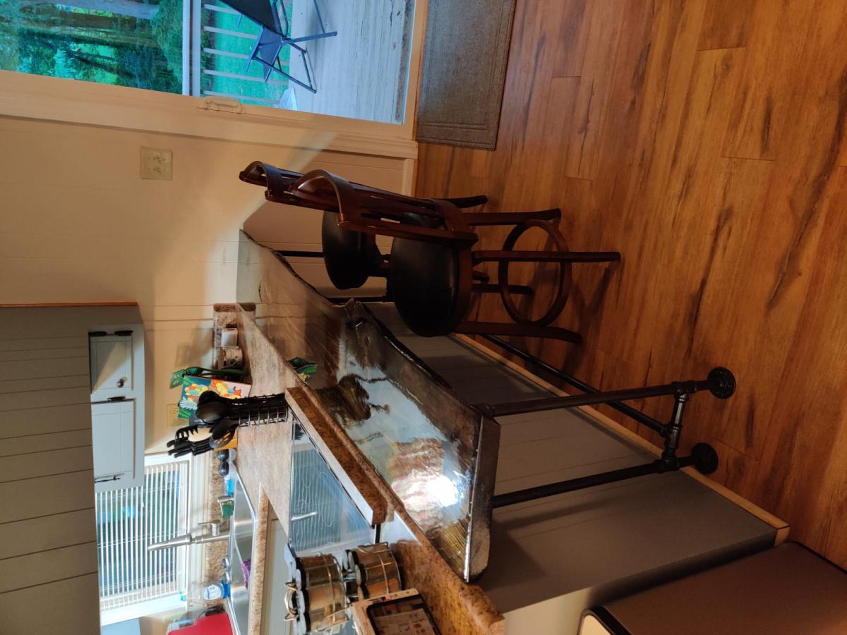 First live edge sofa/ bar table for me.-img_20200708_201836_1594302299307.jpg