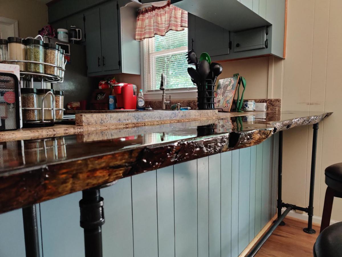 First live edge sofa/ bar table for me.-img_20200711_113327_1594482172706.jpg