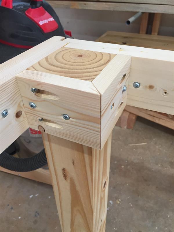 Table leg hardware-img_3823.jpg