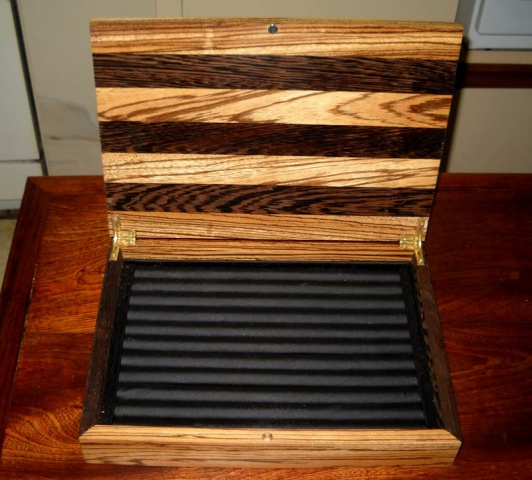Photos - 4 Pages : http://www.woodworkingtalk.com/galle...00&ppuser ...
