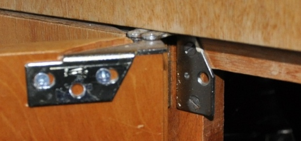 Perfect Click Image For Larger Version Name: Kitchen Cabinet Hinge Views: 8661  Size