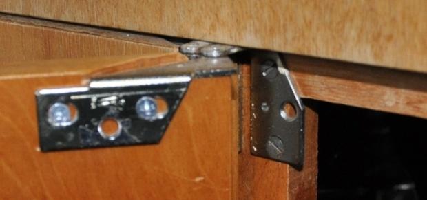 Click Image For Larger Version Name: Kitchen Cabinet Hinge Views: 10149  Size