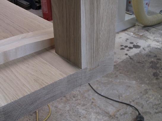 Table leg attachment-liitos.jpg