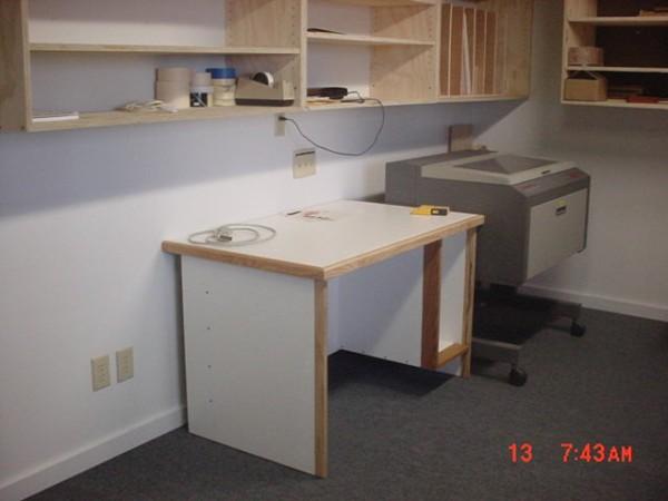 Computer desk-mvc-009s.jpg