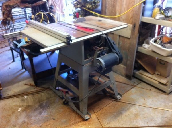 Table saw w/router mount 300.00-pic1.jpg
