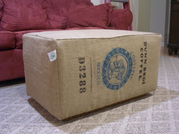 Click image for larger version Name: Pict0034.jpg Views: 1329 Size: 99.0 - Upcycled Coffee-bag Burlap Sack Ottoman - Woodworking Talk