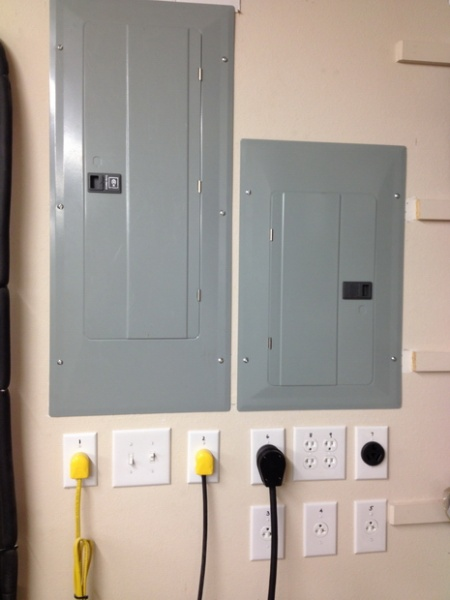 New subpanel and power center - weekend project-subpanel-power-station-finished.jpg