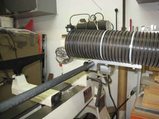 Dust collection at the lathe-vac-holder4.jpg