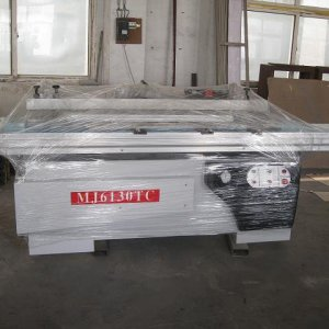 Precision sliding table saw MJ45  Introduction: The solid table saw adopts the dual straight-line which can reduce the global line error to less than