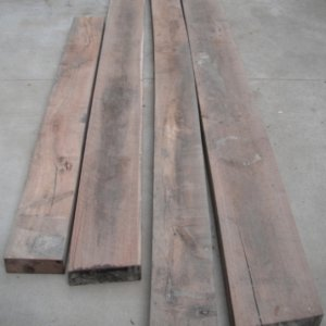Walnut Beams / Auction loot