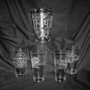Pitcher & 4 glasses - Harley Davidson Vintage logo's set.