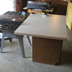 Table Saw for only $25?!?  It had some rust and the belt was off the pulley...that's all that was wrong with it!  Once I cleaned and waxed the top and