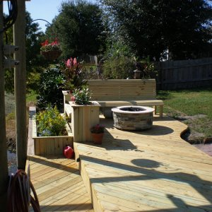 Deck, flower boxes, bence