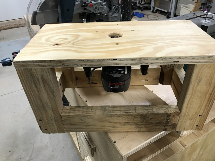 Router table suggestions for 300 or less woodworking talk on router tables i needed to make several duplicate christmas decorations for my wife a few years ago so i made this and then used it for a long time keyboard keysfo Images